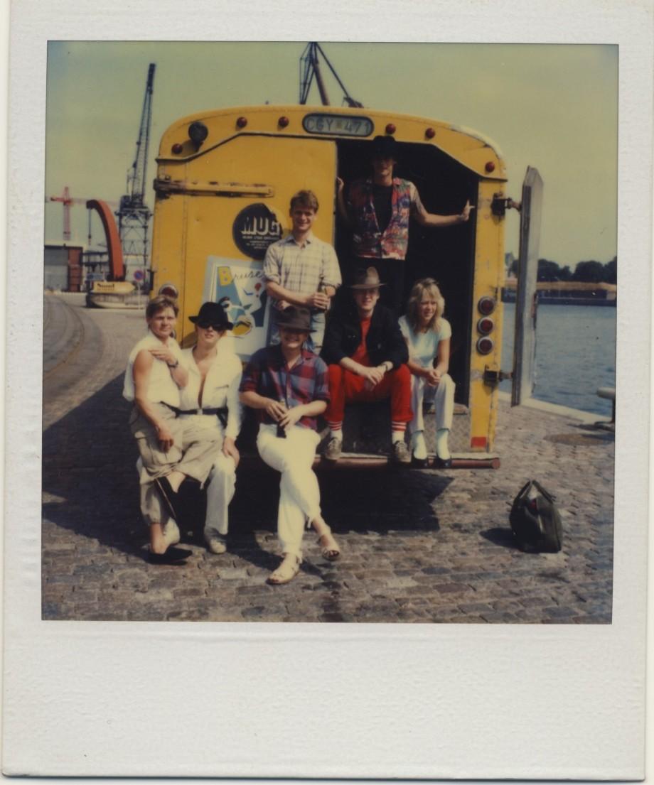 Bruset på turne i postbussen.