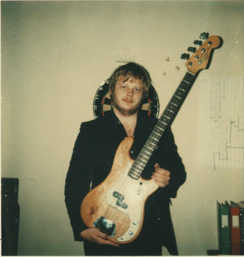 Guran på Kapten Gitarr med bas.