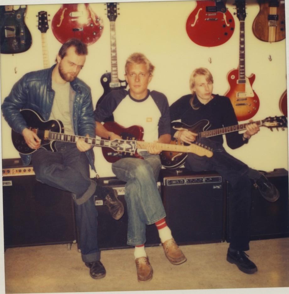 Gert Ryding , Johan Hörnfeldt och Ulrik Carlsson. På Kapten gitarr i Haga.