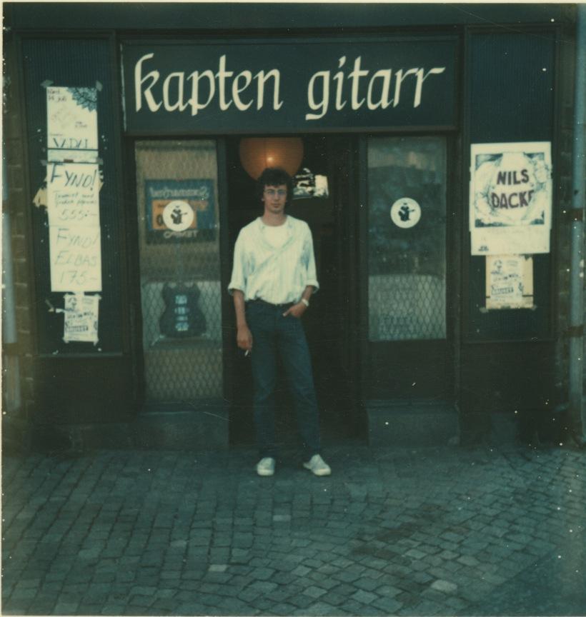 Per Sjöström utanför Kapten gitarr i Majorna.