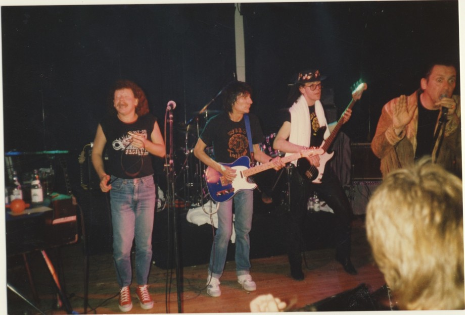 Tottas bluesband med Ron Wood. Jag var turneledare.